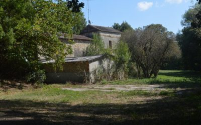 Cordes sur Ciel – old mill in need of renovation.