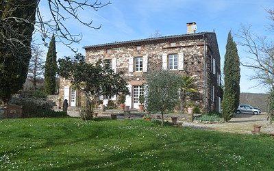 Near to Cordes sur Ciel – Maison de Maitre with pool and land.